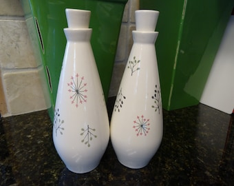 1950's Franciscan Echo pattern Oil and Vinegar cruets/shakers with corks/lids in excellent condition