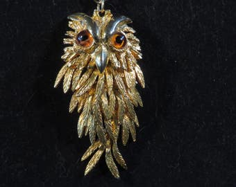 """LARGE OWL PENDANT Articulating Gold Tone, 3.25"""" Long, with Chain 9"""" Vintage (#626)"""