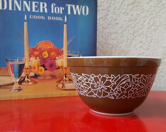 Vintage Pyrex 401 Woodlands Mixing bowl