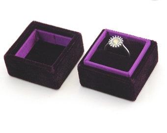 Square velvet ring box - Handmade ring box - Purple velvet