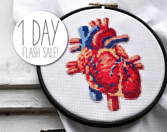 Cross stitch kit modern HALLOWEEN HEART complete embroidery kit fabric yarn needle wood embroidery hoop cross stich pattern anatomy heart