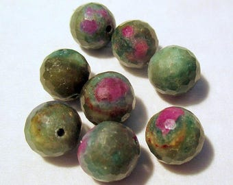Ruby Fuchsite - ref6697 - drilled - faceted - 8mm - 8 x