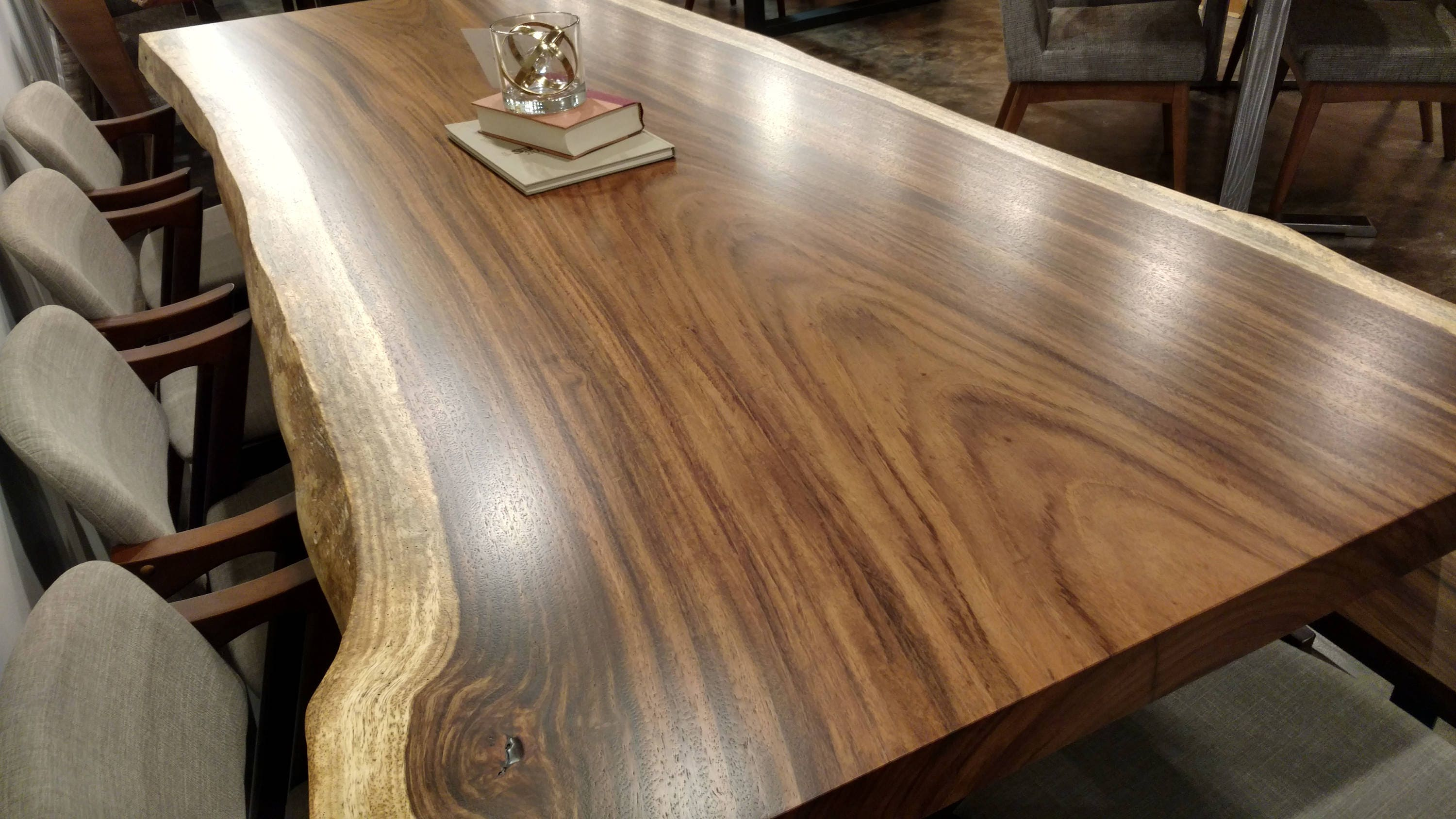 black giant grant diningtable bjorling dining edge bookmatched walnut live table
