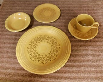 """5 Piece Place Setting Casualstone """"Coventry"""" Dinnerware 70's Homer Laughlin"""