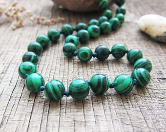 Malachite necklace Malachite jewellery Green Stone necklace Malachite Bead necklace 8mm Bead healing necklace Ball statement necklace
