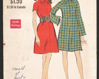 1960s Vintage Sewing Pattern Vogue 7725 Misses Dress Mod 60s Bell Sleeve A Line Dress - Size 12 Bust 34
