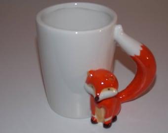 White ceramic - Fox handle mug