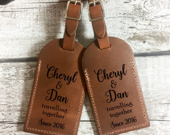 Personalised Leather Luggage Tag - Engraved Mr & Mrs Holiday Tag / Wedding Gift - Genuine UK Leather in Grey, Nude, Gold - L1300