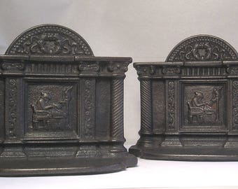 An Antique Pair of Cast Iron Martha Washington Bookends A3