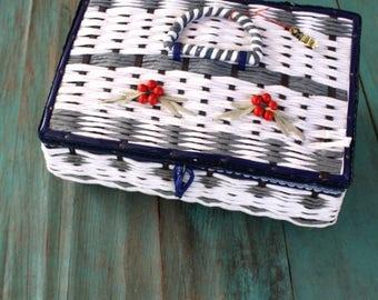 Musical Blue Vintage Sewing Basket, Vintage Basket, 1950s Trinket Box, Vintage Sewing Basket, Vintage Notions
