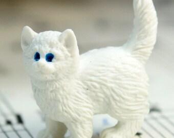 White Kitty Cat - Set of 4 miniature cat figurine dollhouse diorama project craft - 234-9622