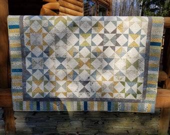 Gardeners delight throw quilt