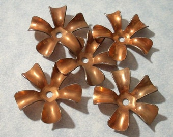 5 Vintage Copper Flower Stampings 24mm