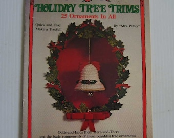 Holiday Tree Trims 25 Ornaments in All