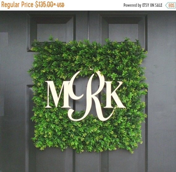 SUMMER WREATH SALE Couples Wedding Gift, Custom Wedding Monogram Wreath, Church Door Decor, Reception Decor, Boxwood Wreath, Wedding Decorat