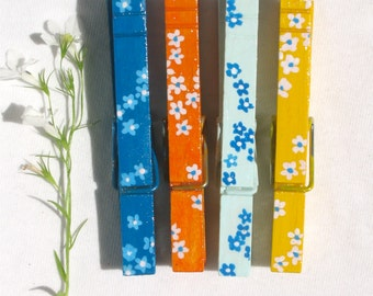 FLOWERS CLOTHESPINS hand painted magnetic pegs