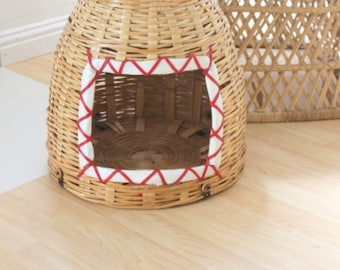 Vintage Dome Wicker Cat Bed
