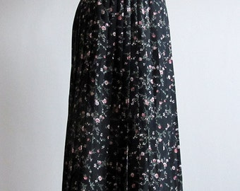 1980s Debenhams pleated ankle length skirt (or bandeau dress) in UK size 12, black with floral pattern. Vintage skirt, retro fashion for her