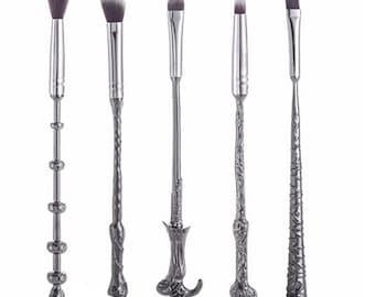 Wizard Wand Makeup Brush Kit - Set of 5 - Includes Brush Cleaner - Eyeshadow & Foundation Wand Brushes