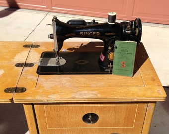 Vintage Singer Sewing Machine and Sewing Table 1948 electric 15-91 - Pick up only
