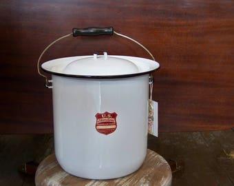 White Enamel Pot with Lid Vintage U.S. Standard Enameled Ware Porcelain Pot Chamber Pot