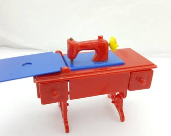 Renwal Sewing Machine Red Toy Furniture Doll House Pedal Style
