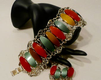 Vintage Lucite Moonglow Thermoset Plastic Bracelet And Clip Earring Set