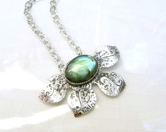 Labradorite Lilly Necklace -  Sterling Silver, Designer Chain, Pendant, Gift - Magic Stone