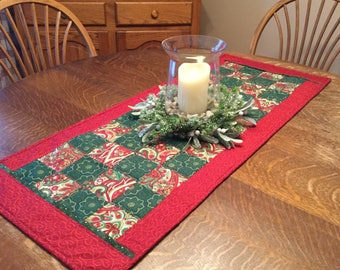 Quilted Table Runner, Winter Table Runner, Quilted Christmas Table Runner, Christmas Table Runner, table runner, quilted table runner