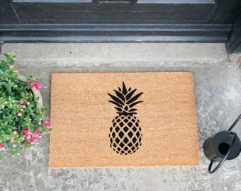 Pineapple doormat - 60x40cm - Quirky Gift