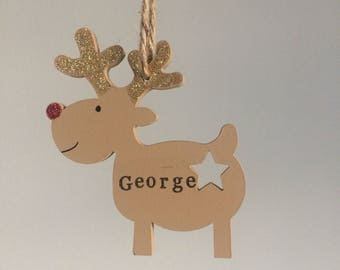 Wooden hanging reindeer Christmas tree decoration, can be personalised.