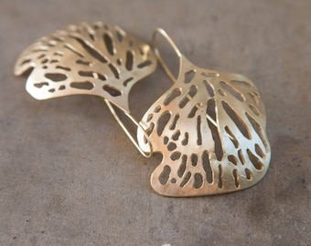 big statement gold earrings. leaf earrings. nature earrings. organic design earrings. bridemaids jewellary. coctail earrings. gold plated.