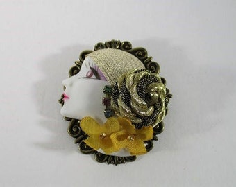 Vintage Flapper Brooch, Lady Head Pin, Hand Painted Resin, Fabric and Rhinestone Details, Bronze Tone Metal, Art Deco Brooches, 1980's