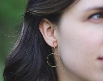 The Zelda : minimalist circle earrings