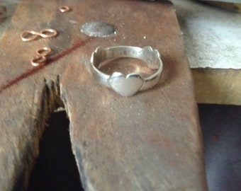 3 hearts silver ring