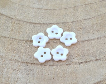 5 buttons 12 mm resin flowers
