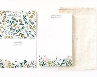 Personalized Stationery Set | Illustrated Floral Stationery Gift Set with Custom Notepad, Flat Cards, and Notecards : Garden Wreath
