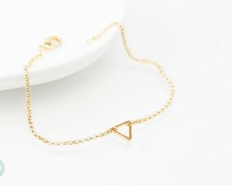Triangle bracelet, daity bracelet, gold bracelet, charm bracelet, gold chain bracelet, cute bracelet, friendship bracelet, gold chain