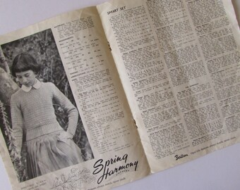 Vintage (1940s) knitting book,  Paragon - 'School-age Knitteds'