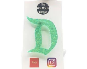 Classic D Green Grass Glitter Brooch