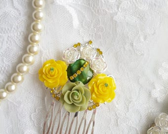 Green yellow wedding hair comb, Victorian hair comb, yellow flower hair piece, yellow green wedding, yellow green Bridesmaids hair, yellow