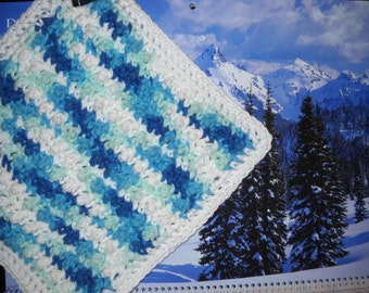 DC-011  3-Pack Crochet Dishcloths