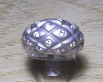 18K white gold ring and bright, pineapple shape in shaded.Chimento vintage