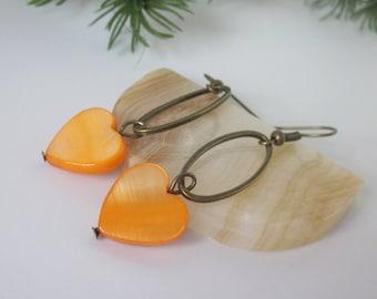 Orange Shell Earrings, Mother of Pearl Shell Heart, Fall Jewelry, Orange Heart, Bronze Hoop Earrings, Minimalist Dangle, Oval Hoop Earrings
