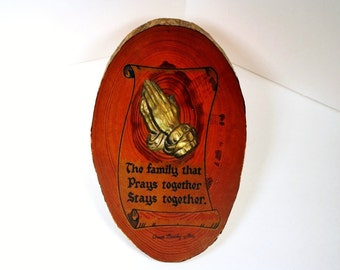 Cedar Praying Hands, Souvenir, Great Smoky Mountains, Retro, Wall Plaque. Religious, Prayer, Family, Kitsch, Hands, Wood,Brown,Oval, Smokies