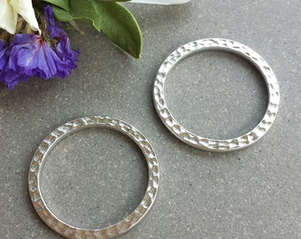 "1"" Hammered Ring - Silver >> 4 or 10 pieces >> Large, 25mm Tierra Cast, Pewter Ring, Lead-Free, American Made, Textured, High-Quality"