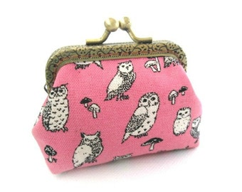 Pink frame coin pouch cotton linen fabric owl print, bronze kiss lock clasp purse metal frame purse