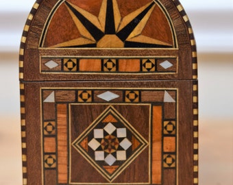 Marquetry jewelry / multipurpose box / Syrian - Middle Eastern Art