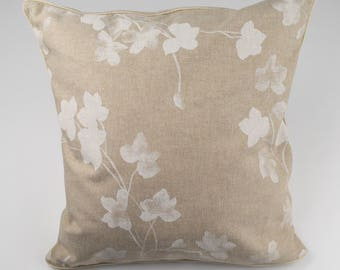 Cushion 40 x 40 - white flowers