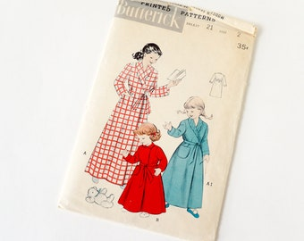 Vintage 1950s Girls Size 2 Long Wraparound Robe Butterick Sewing Pattern 6234 Complete / breast 21 waist 20 / Collar Options
